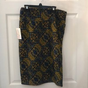 New with tags LuLaRoe cassie medium skirt